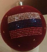 Флокированный елочный шар. Нанесение стразами